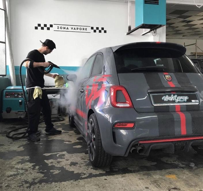 lavaggio a vapore auto d'epoca